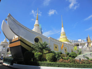 Wat Yannaw, or the boat temple, in Bangkok (Flickr/ccarlstead)