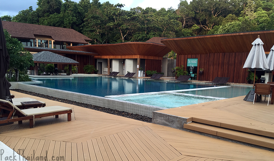 Bundhaya Villas Koh Lipe have a big pool