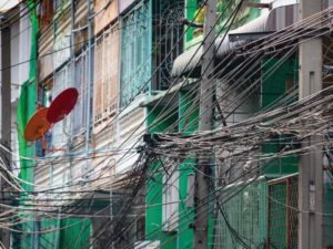 Bill Gates' post on his blog in which he claimed these hanging cables in Thailand were being used to steal electricity