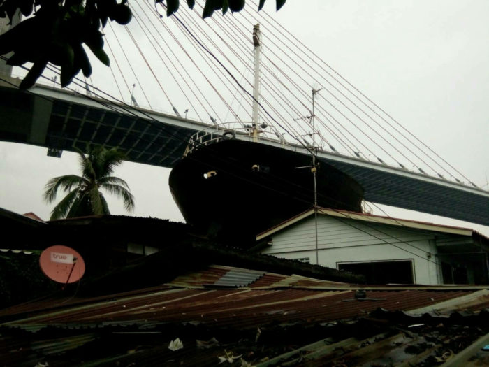 A Vietnamese cargo ship after it ran aground in Samut Prakan Province at 8.30am