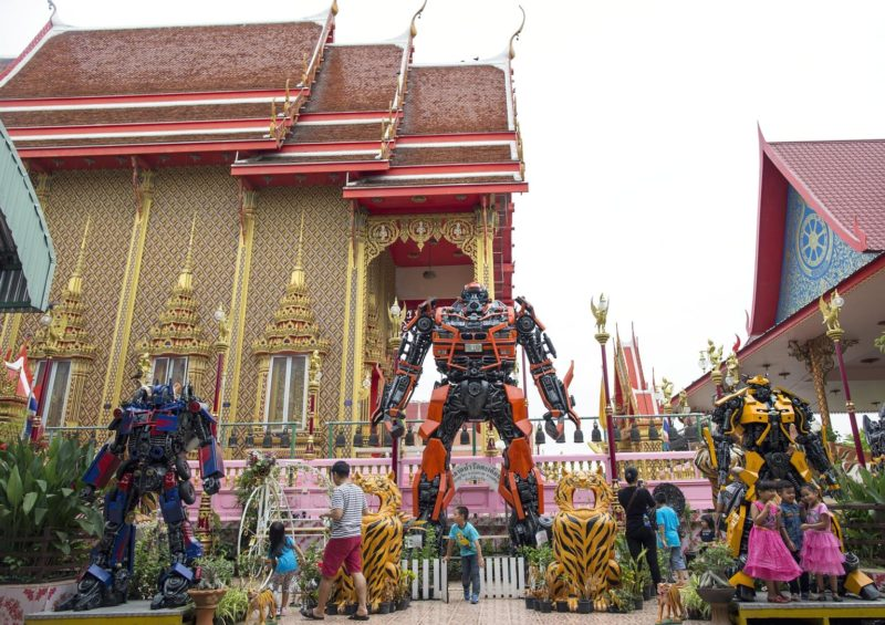The Wat Tha Kien temple in Nonthaburi which has installed Transformers made from scrap metal outside